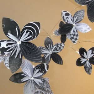 Black and White Flower Mobile, Origami Mobile, Baby Mobile, Nusery Decor, Flower Decor, Nursery Mobile, Little Girl Room Decor, Flowers