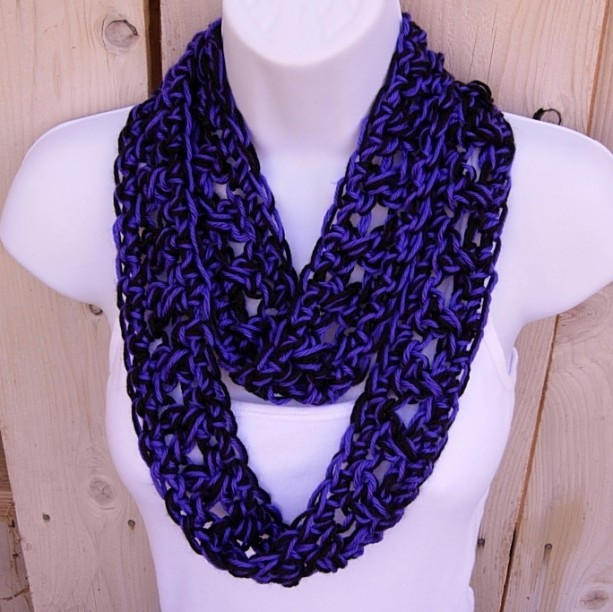 SUMMER SCARF Small Infinity Loop Cowl, Black & Vibrant Dark Purple, Soft Skinny Handmade Crochet Knit Necklace..Ready to Ship in 2 Days
