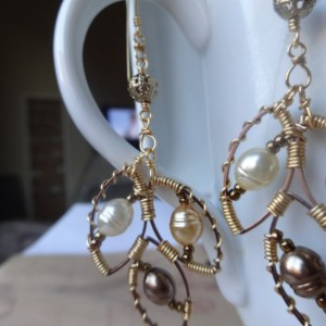 Poetry-Inspired Tri-Leaflet Dangle Earrings