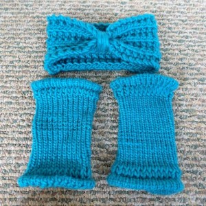 Cyan Knit Turban & Fingerless Gloves Set