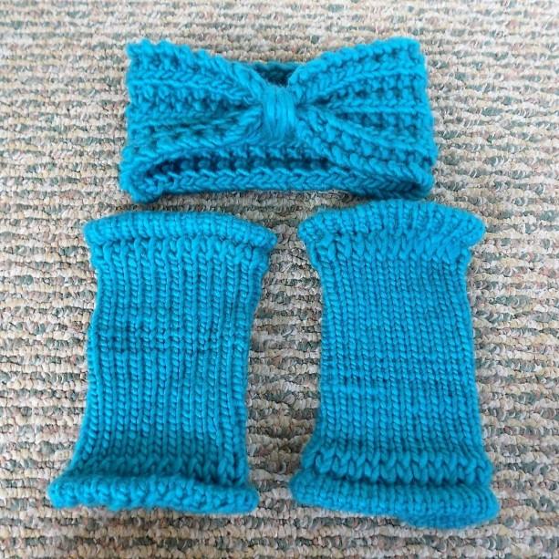 Cyan Knit Turban & Fingerless Gloves Set