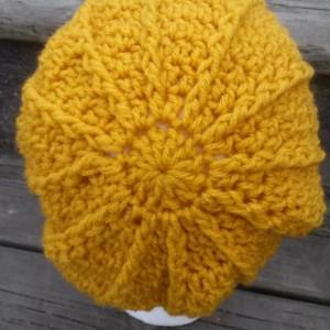 Women's Textured Crocheted Button Trimmed Hat