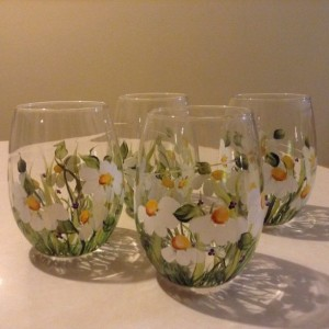 Daisy wine glasses, stemless, Hand painted,dishwasher safe