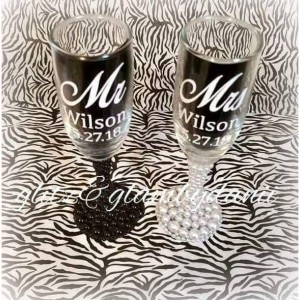 Mr & Mrs toasting flutes, wedding toasting glasses, bride and groom flutes, wedding gift ideas, bridal gift, wedding