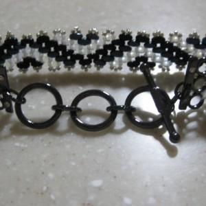 Super duo Zig Zag beaded bracelet adjustable toggle clasp