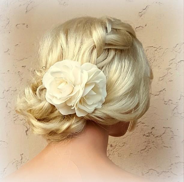 White Flower Hair Clip, White Fascinator, Gardenias, Wedding Fascinator, Bridal Hair Clip, Flower Hair Clip, Gardenia Flower Hair Clip