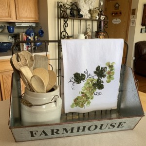 Green grapes kitchen decor, flour sack dish towel, mom gift for her, bathroom hand towel, mothers day from daughter, hostess gift, best
