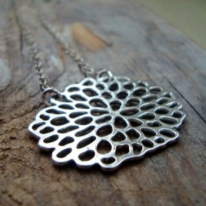 Silver Chrysanthemum Necklace