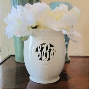 Small Cursive Monogram Vase - 3 letters