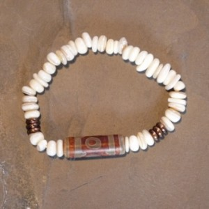 Dzi Agate Mother of Pearl Bracelet