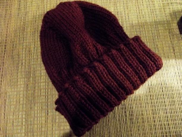 Women's Knitted Hat in Dark Burgundy