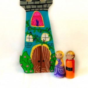 Princess castle - Princess dolls - Fairy tale dolls - Peg dolls - Wooden castle - Princess decor - Princess toy - Girls toys - Peg people