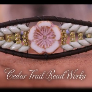 Cedar Trail Bead Works: hand beaded White Picasso Hibiscus Bracelet
