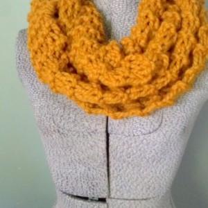 Mustard Chunky Knit Infinity Scarf, Hand Knit Scarf Chunky, Chunky Circle Scarf, Circle Scarf Infinity
