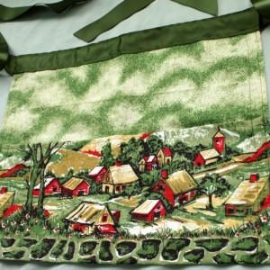 Green Scenic Print Handmade Half Apron - Garden apron, Utility Apron, Vendor Apron, Teacher Apron, Pocket Apron, Craft Apron, Waitress Apron