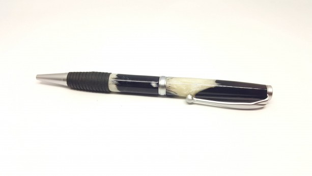 Handcrafted Acrylic Black/Pearl Slimline pen w/Comfort Grip