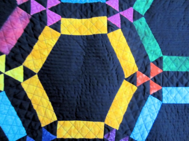 Amish Double Wedding Ring Quilt with Black Background Appraised | aftcra