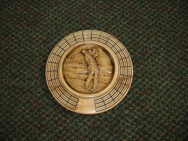 Golfer 3 track round cribbage board with storage