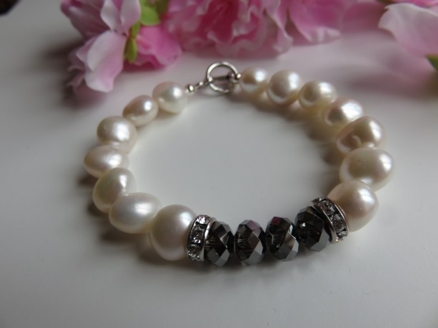 Big Pearls & Crystal Night Bracelet