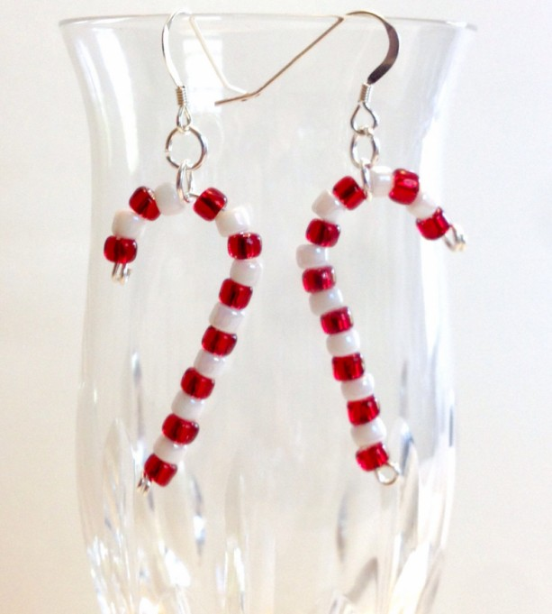 Christmas Jewelry.Candy Cane Earrings Red And White Beaded Christmas Earrings Holiday Jewelry Seed Bead Dangle Earring Christmas Gift Stocking Stuffer