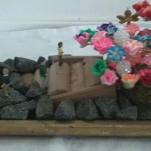Mini wire tree rock and flower scenery garden