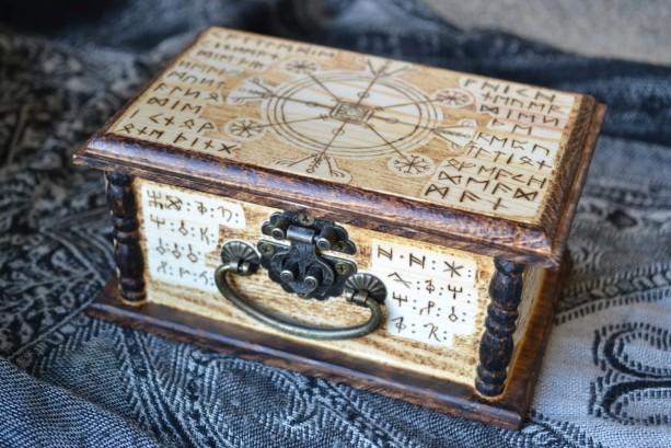 Protective Pagan Viking Stave Rune Box - Pine Wood Box - Pyrogaphy Woodburn
