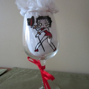 Painted Glass BETTY BOOP with Top Hat Wine Glass 12 oz.