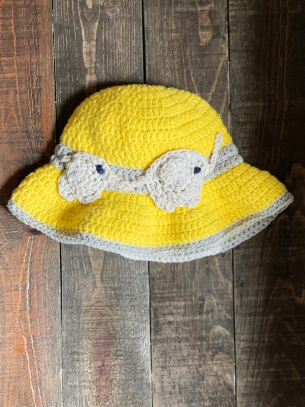 Handmade (crochet) toddler summer sunhat with Mom and baby elephant
