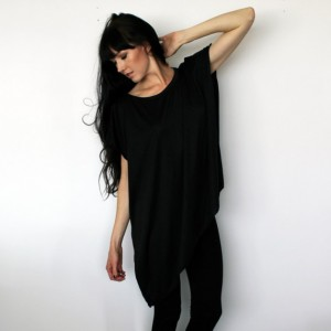 Loose Fit Asymmetrical Black Tunic Shirt