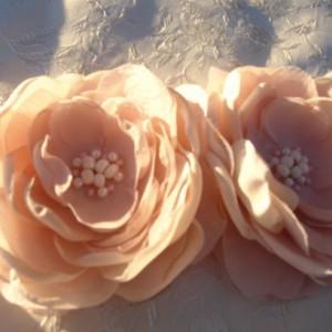 Bridal Flowers in dusty pink clips or headband-Bridal Headpiece-Bridal Blush Flower Brooch