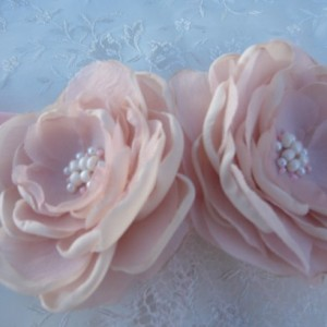 Bridal Flowers in dusty pink clips or headband-Bridal Headpiece-Bridal Blush Flower Brooch