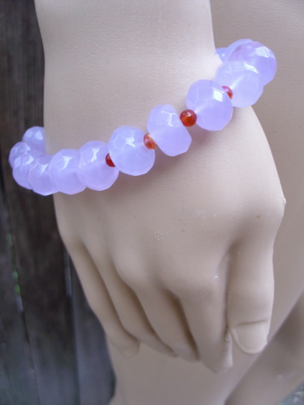 Color-Changing Quartz And Carnelian Bracelet