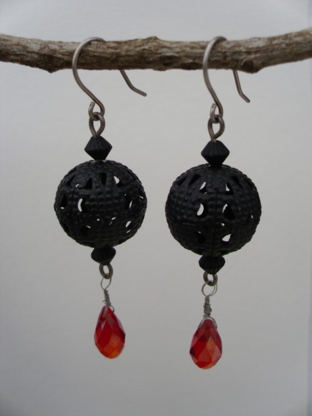Black Metal And Pinkish Red Crystal Earrings
