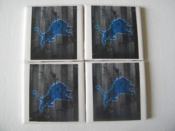 Detroit Lions Football Shabby Chic Look, Barn Wood, Rustic Set of 4 Drink Coasters