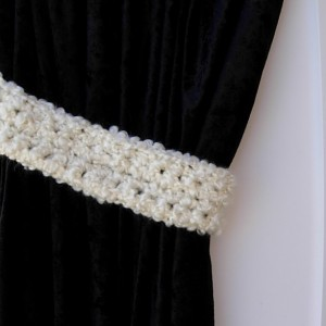 Pair of Solid Light Cream Curtain Tiebacks, Soft Thick Off White Tie Backs, Drapery Drapes Holders, Fluffy Soft Crochet Knit, Nursery Decor, Baby's Room, Ready to Ship in 3 Days