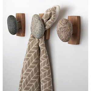 Single Sea Stones Stone Coast Hook/Towel Holder on a Cherry Wood Backplate, Wall Mounted, Natural Stones, Hardwood, Coat Rack, Bathroom Hook