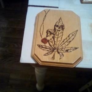 HANGING WOOD ART WALL PLAQUE STONED MARIJUANA POT LEAF CANNABIS WEED 420 DESIGN KUSH