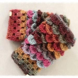 Crochet dragon scale feather crocodile woman Fingerless gloves