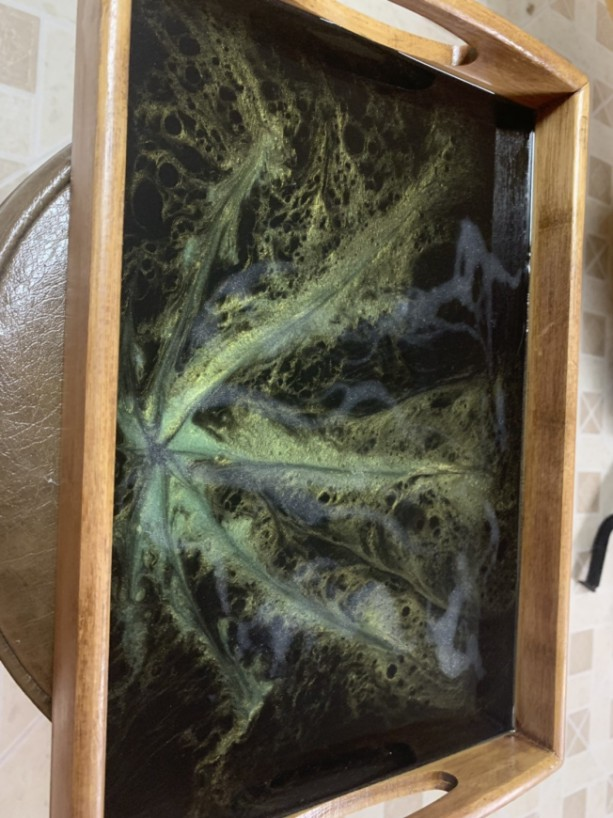 Set of 3 Nesting Trays Marijuana Leaf Serving Tray, Resin Art, Epoxy Art, Hand Painted Tray, Epoxy Resin Art Tray, Bamboo Serving Tray