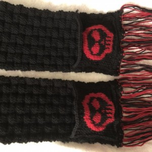 Basketweave scarf with skull pockets