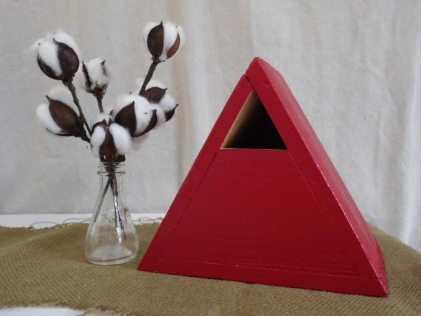 Red Birdhouse, Red Cedar Triangle Birdhouse, Red Cedar Birdhouse, Cedar Bluebird House, Painted Cedar Birdhouse