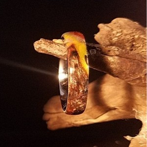 a size 7 comfort core ring, stainless steel  with wood burl and  blue and silver resin, beautiful 5mm band width (a)