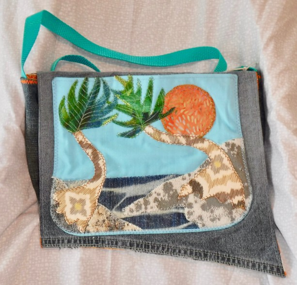 Shoulder bag, side bag with applique beach scene