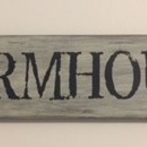 Handmade 'Farmhouse' Sign
