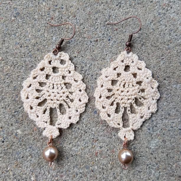 Crocheted Earrings in off-white