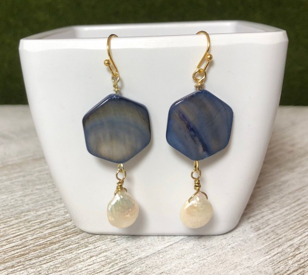 Natural shell and fresh water pearl earrings