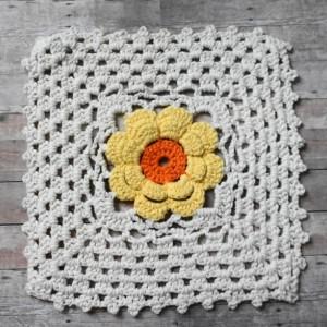 Sunlit Daisy Crochet Dishcloths, Set of 3
