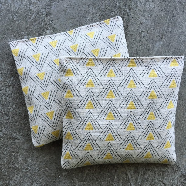 Organic Lavender Sachet Set in Printed Linen Yellow Pyramid Set of 2