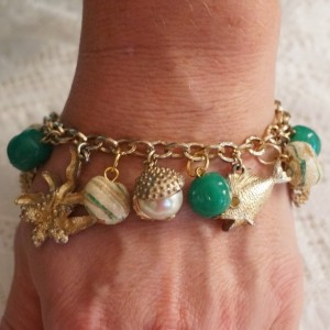 Vintage OOAK Beach Themed Fish Seashell Pearl Chunky Charm Bracelet Cream Green