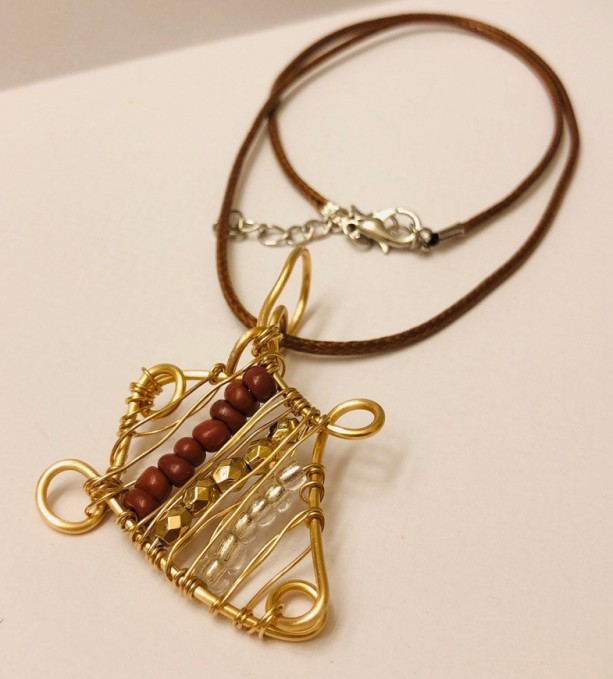 Gold Wire and Beaded Pendant Necklace